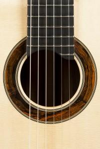 gitarre-ochs-schallloch