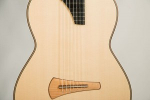7-saitige-gitarre-kasha-decke