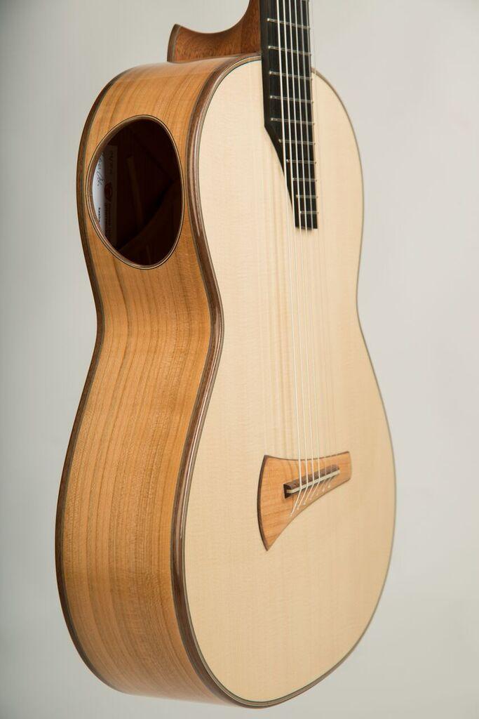 gitarre mal ganz anders die kasha bauweise. Black Bedroom Furniture Sets. Home Design Ideas