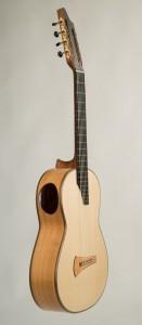 7-saitige Kasha-Gitarre von Thomas Ochs